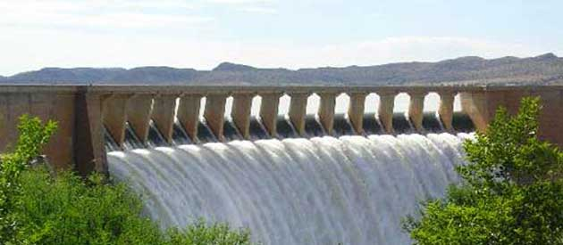 The Gariep Dam, situated on the Orange River between the Northern Cape and the Free State
